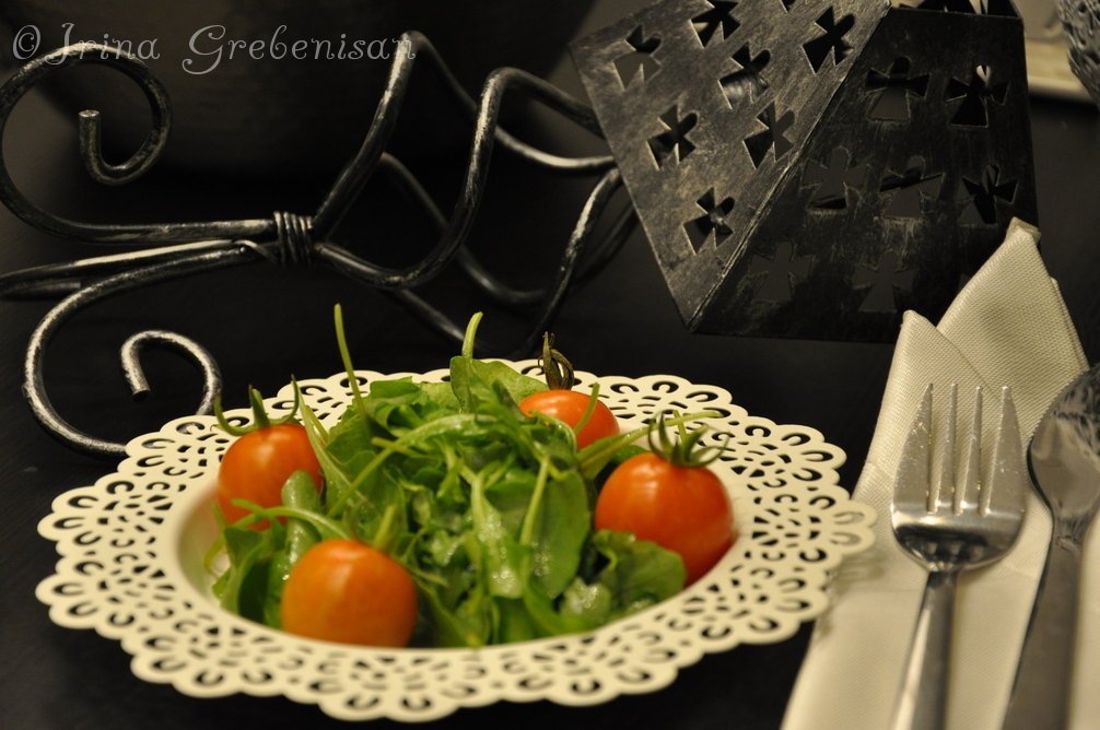 Salata de rosii și rucola