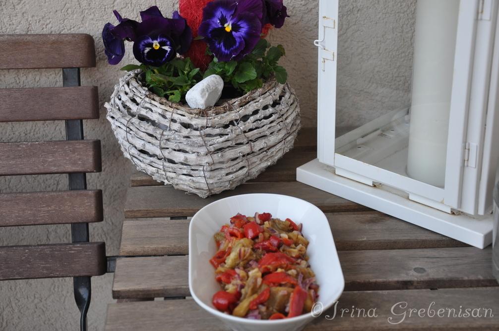 Salata calda ardei vinete