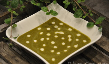 Supa de stevie cu orez si oregano